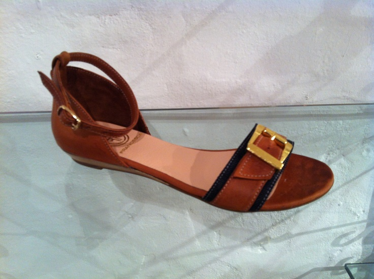 'India' sandals by Francesca.