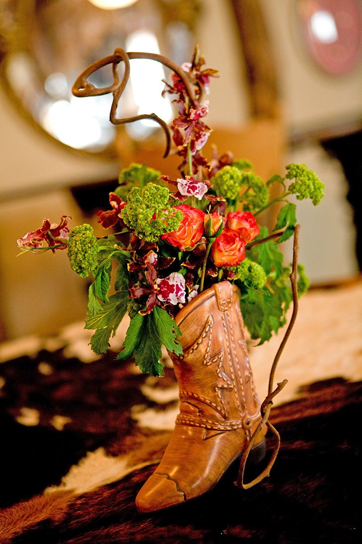 Garden Country Chic Flower arrangement in cowboy boot