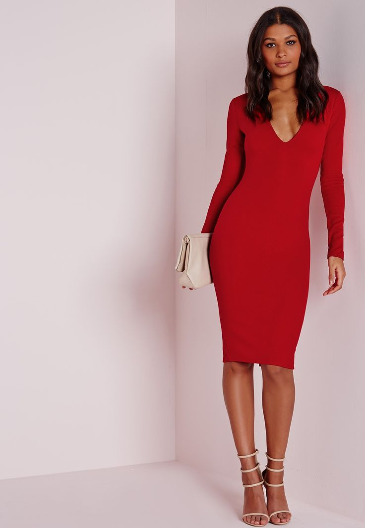 Hot damn girl, you're gunna raise some temps in this one! Channel your inner siren and look sizzling in this long sleeve plunge midi dress in red. Featuring back zip fastening, daring plunge V neck and long sleeves, wear this little beaut w...