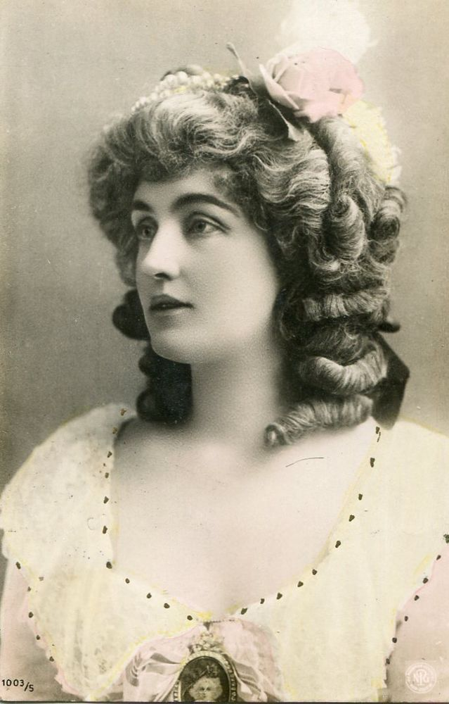 Vintage French Lady no.N287 - Vintage French handtinted photo postcard 1900s