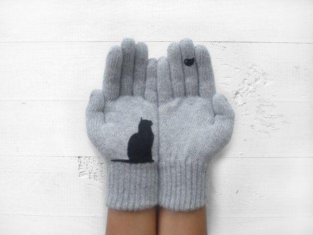 via en.dawanda.com Gloves & more – Christmas Gift, Cat Gloves, Grey, Bird, Xmas Gift – a unique product by Yastikizi on DaWanda