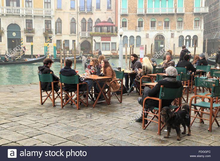Quiet Foggy Winter Day In Venice. Restaurant Naranzaria Near Rialto Stock Photo, Royalty Free Image: 94406576 - Alamy
