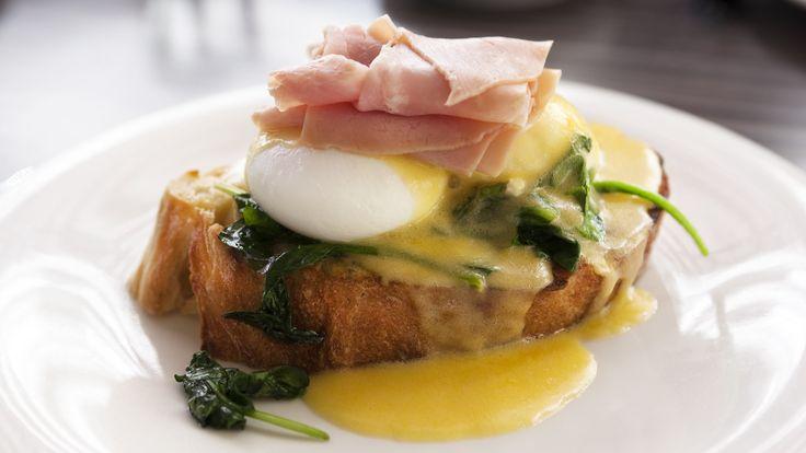So gelingen Eier Benedict zum Sonntagsfrühstück - kurier.at