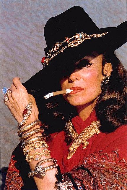 Maria Felix, la Doña de Mexico, Mexican actress ( 1914- 2002 ) winner of four Ariels ( the Mexican Oscar ) She combined the beauty of Joan Crawford and the attitude of Bette Davis. Diego Rivera was madly in love with her. In this photo she is wearing made to order Cartier diamond encrusted gold crocodiles.