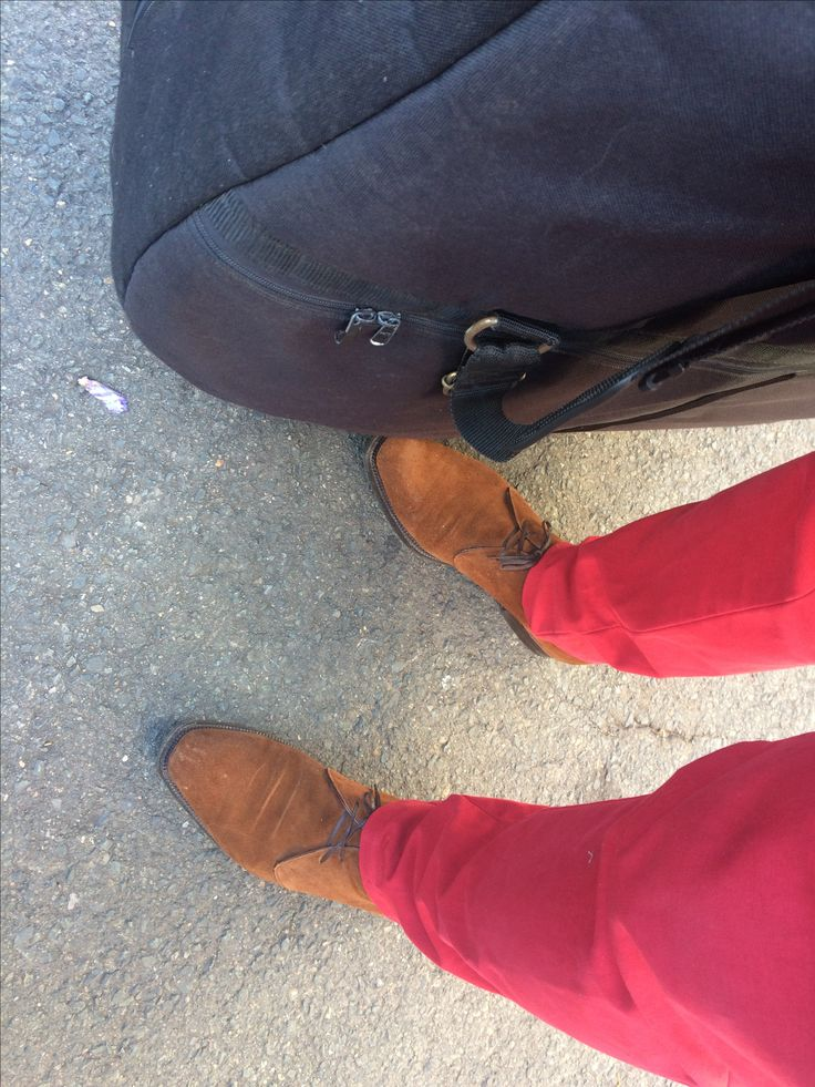 Enzo Boafe for Skoatiebolaget suede chukkas, Incotex trousers. Double Bass