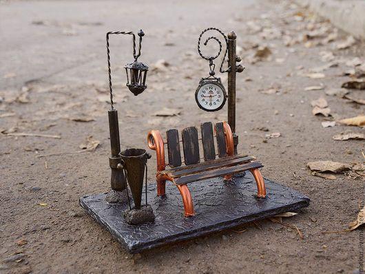 Настольные часы `Английский парк`. Часы для дома.Часы настольные купить , часы интерьерные , часы подарок Часы в подарок, часы в кабинет , часы на стол . композиция часы