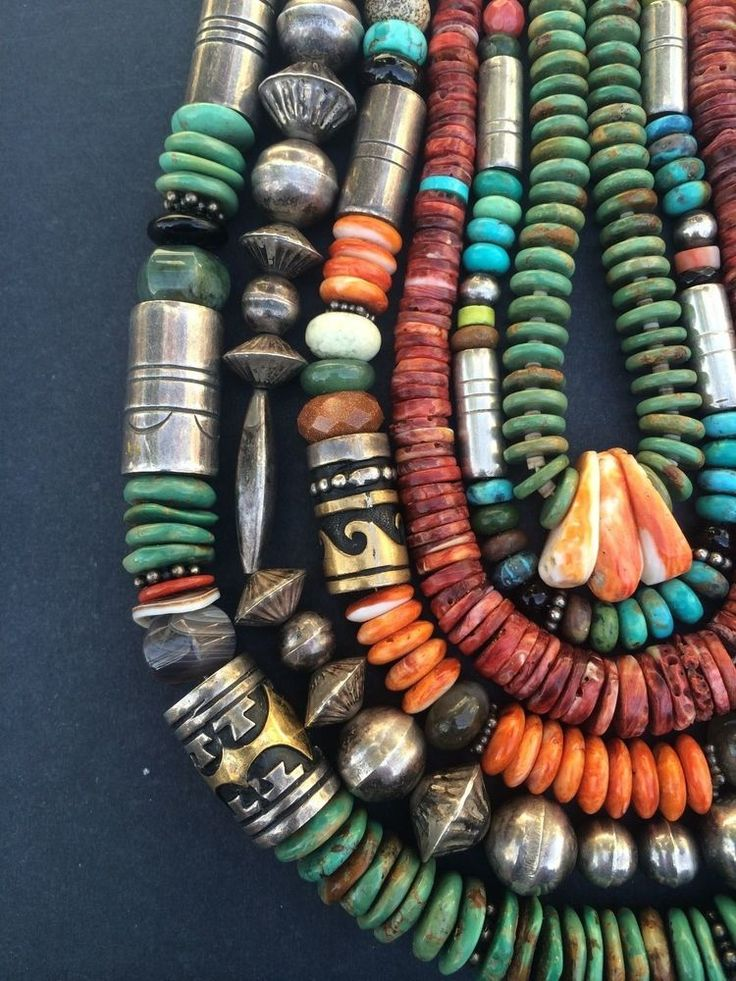Necklace Collection Tommy Singer, Santo Domingo and Vinatge Silver Navajo Pearls