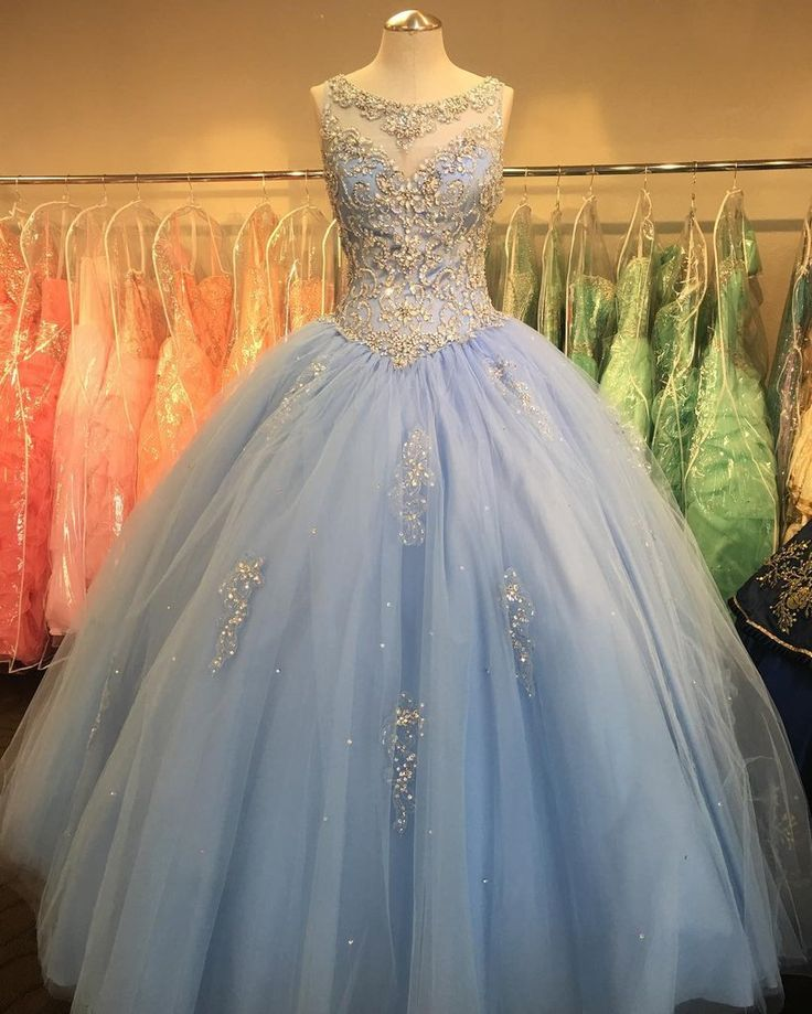 Crystal Beaded Scoop Neck Tulle Quinceanera Dresses Ball Gowns 2017