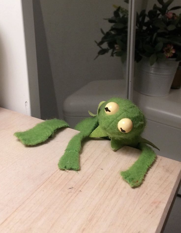 falling off the table kermit
