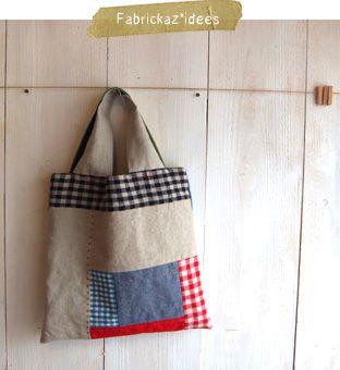 handmade*zakka   fabrickaz+idees ( it would make a nice pillow...)