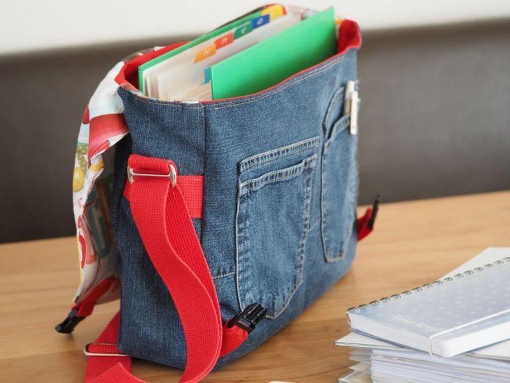 Reciclaje de jeans para una genial bolsa de mensajero / mochila escolar – Monica Lajoie – #co …