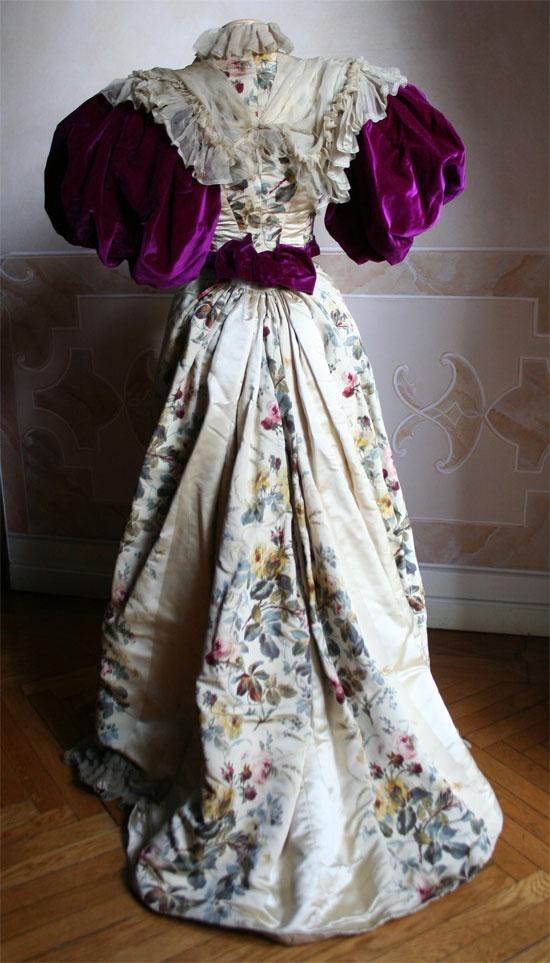 Evening dress, ca 1895, Abiti Antichi