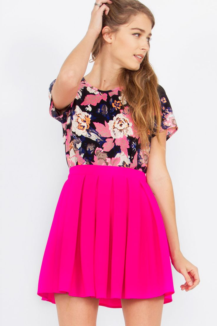 Loving this super stylish Urban Sweetheart skirt