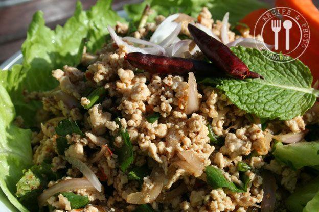 Thaise recepten van Piyawadee: Pikante Thaise kipgehakt salade : Laab Kai