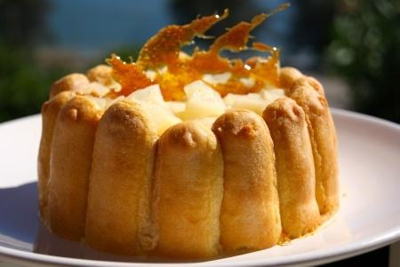 Recette charlotte poires, caramel au beurre salé : Ma charlotte préférée !L'alliance de la poire et du caramel est à tomber !.Ingrédients : poire, caramel