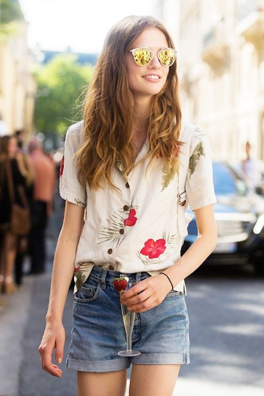 Model-Off-Duty Style: Tropical Prints