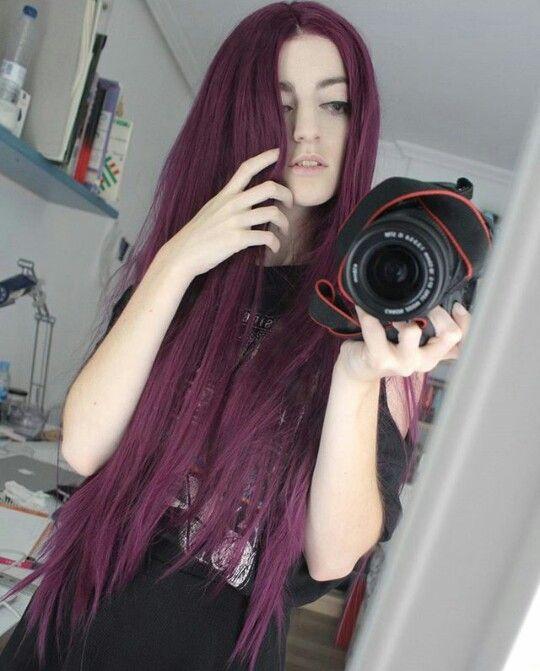 Цветные волосы. Бордовые волосы. Волосы цвета вина.