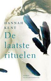 De laatste rituelen van Hannah Kent- Noord-IJsland, 1829. Agnes Magnúsdóttir wordt schuldig bevonden aan de moord op twee mannen. Ze wordt in afwachting van haar executie ondergebracht op de boerderij van Jón Jónsson en zijn gezin. De laatste rituelen is gebaseerd op een ware gebeurtenis. Hannah Kent beschrijft in kristalhelder proza het harde leven in IJsland, waarbij een hoofdrol is weggelegd voor het overweldigende landschap.