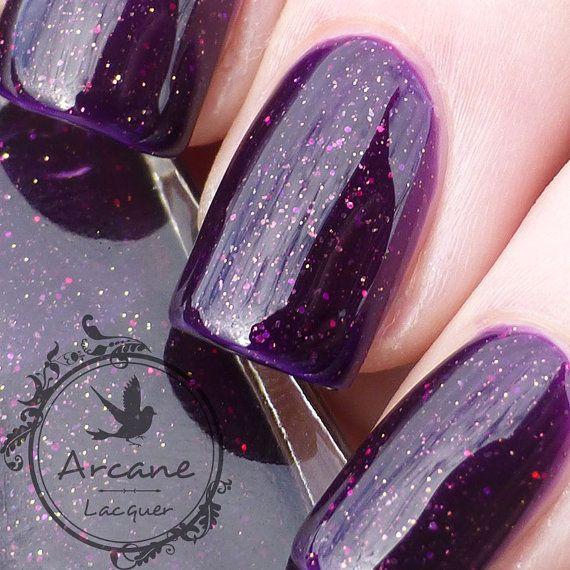 Incubo glorioso è uno smalto per unghie 3 miscelati a mano libera, personalizzata. (Senza toluene, formaldeide e DBP)    Base: deep purple e