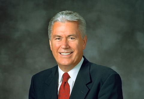 President Uchtdorf Reminds Sisters of Five Things to 'Forget Not'