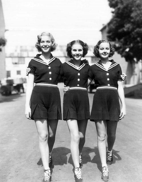 Girls of the 1940's. <3