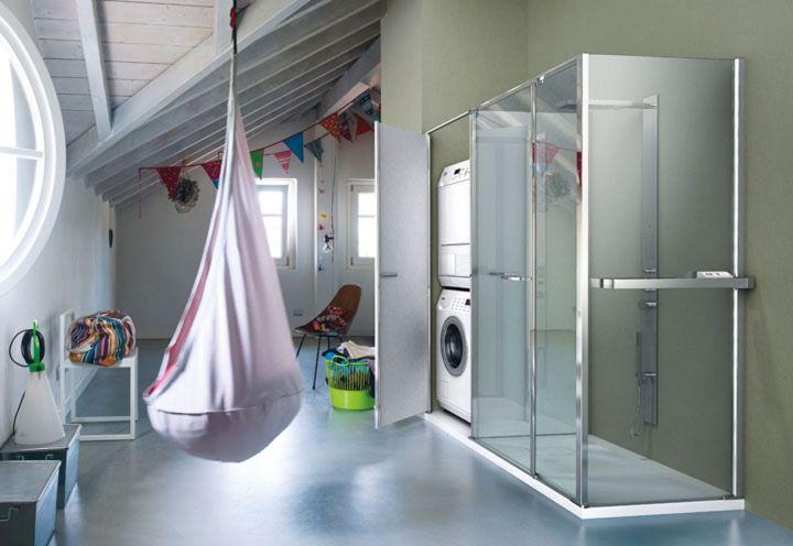 Twin è l'innovativo sistema integrato che prevede l'accostamento alla cabina doccia di un vano tecnico che può essere attrezzato con scaffali oppure ospitare elettrodomestici in piena conformità alle norme sull'utilizzo di apparecchi elettrici in bagno.