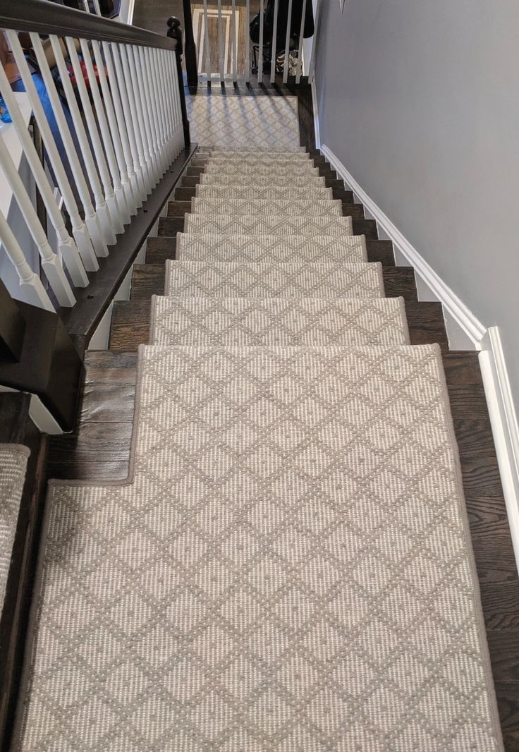 10 Beautifil Carpet Ideas To Perfect Your Beautiful Home This Month In 2020 Carpet Design Carpet Installation Carpet Decoration
