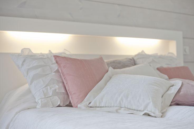 Master bedroom. Honka log homes.