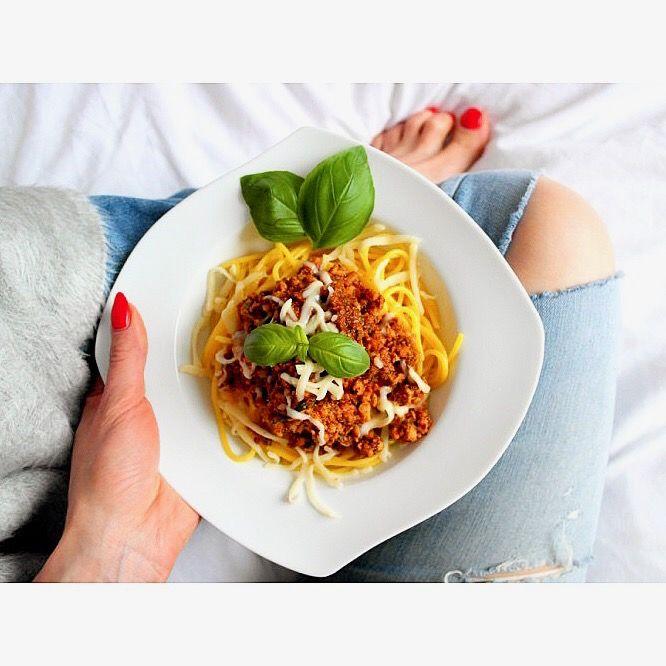 Na dzisiejszy obiad serwujemy spaghetti bolognese 🍝😋---> Zapraszam na moją stronę na fb https://m.facebook.com/eatdrinklooklove/ ❤   . .  At today's dinner is served spaghetti bolognese 🍝😋--> I invite you to my page on fb https://m.facebook.com/eatdrinklooklove/ ❤