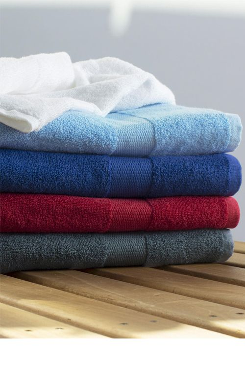 Prosop de baie Tiber 70x140 Towels by Jassz din 100% bumbac pieptănat, dimensiuni 70x140cm #prosoape #baie #personalizate #brodate