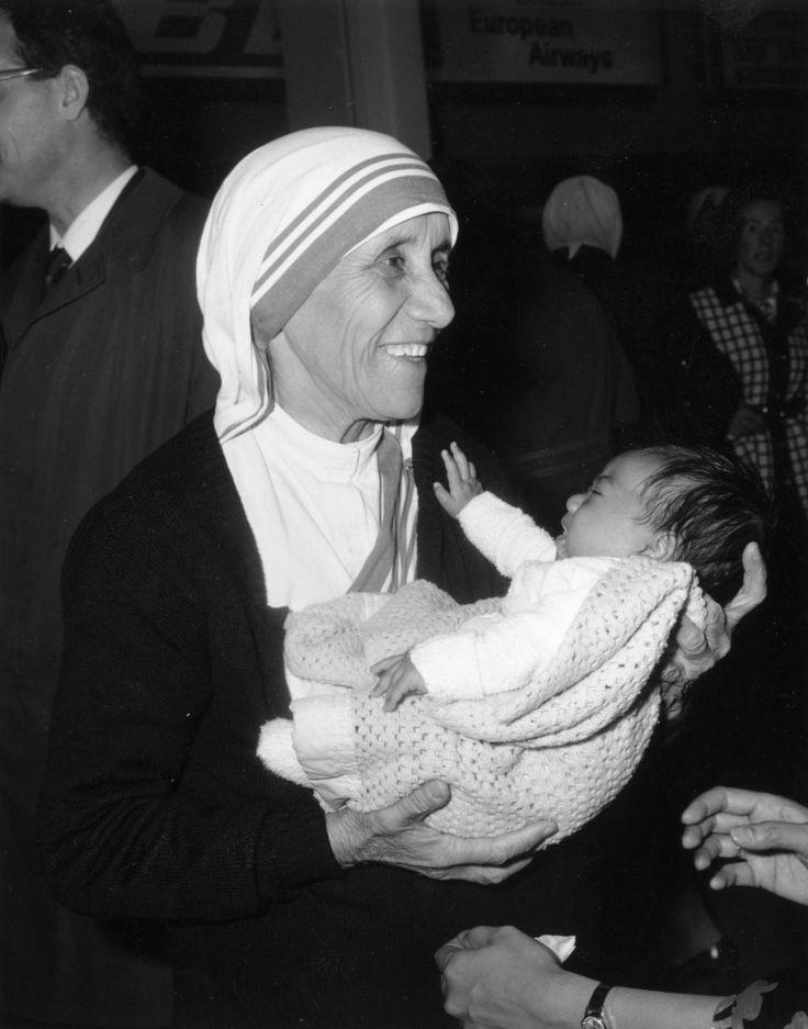 Mother Teresa is now Saint Teresa