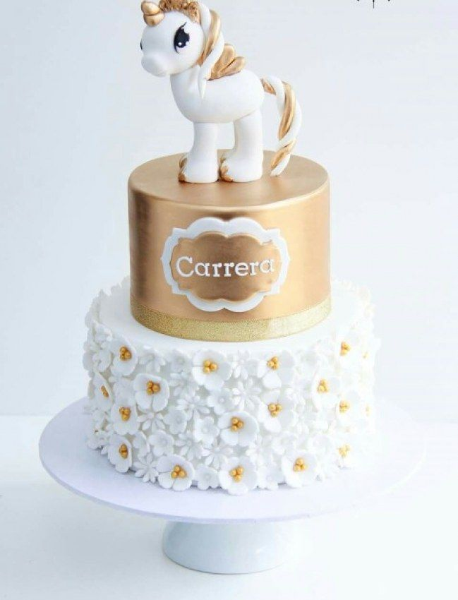 Gold und weißer Unicorn Cake    – Kochen und Backen