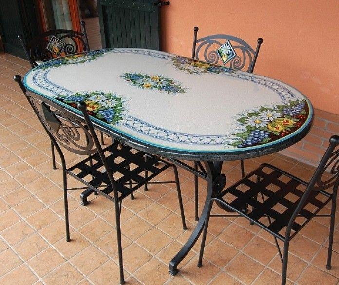 Tavoli In Maiolica Da Giardino.Tavoli In Pietra Lavica Decorati X2f Tavoli Ovali Siad