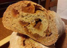 Pane con Fichi Secchi e Nocciole con Lievito Naturale o Pasta Madre e Farina Macinata a Pietra