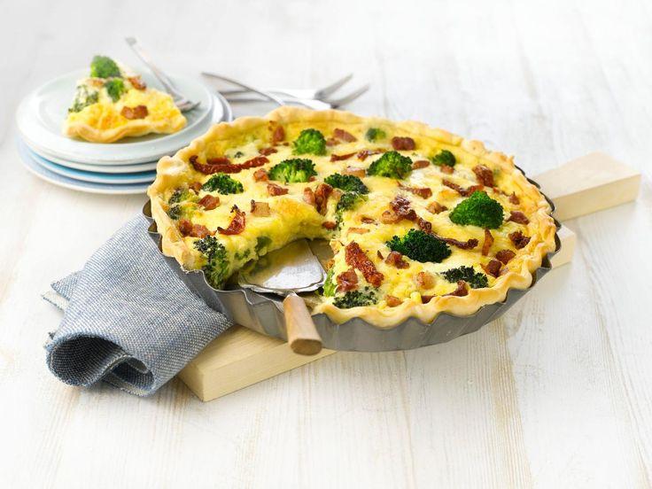 Pai er populært å servere og få servert. Her er oppskrift på en herlig pai med brokkoli og bacon. Smaker godt til både hverdags og fest. Ekstra smakfullt blir det med nybakt brød og en god salat servert ved siden av.