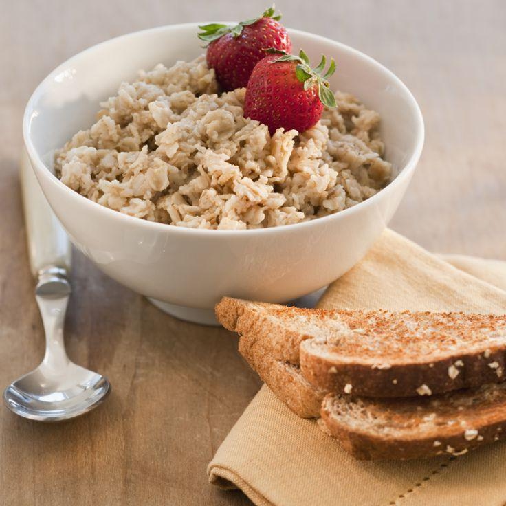 Op je lijn letten? Ga voor een gezond ontbijt op basis van havermout. De graanvlokken bevatten weinig calorieën, maar geven lang een verzadigd gevoel. Ideaal om je dag op een gezonde manier te starten.