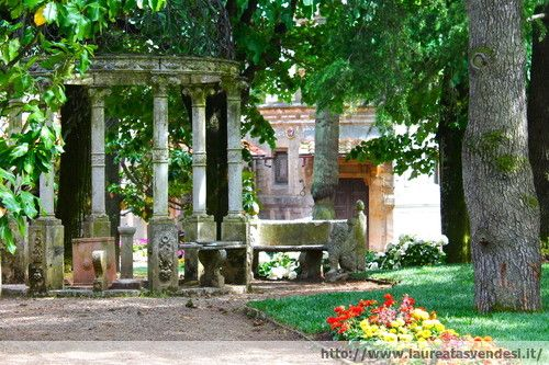 Il giardino in stile liberty dell'ex stabilimento termale Tamerici a Montecatini Terme, in Toscana