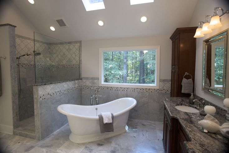 These Homeowners Chose A Slipper Tub Along With A Large