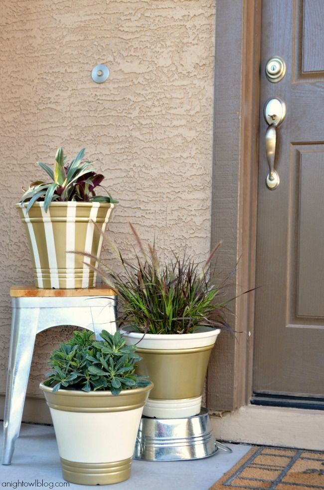 http://anightowlblog.com/2013/09/golden-fall-planters-scotchblue-painters-tape.html#comment-42509