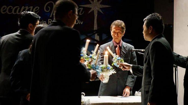 "Matius 5:14-16 (TB)  Kamu adalah terang dunia. Kota yang terletak di atas gunung tidak mungkin tersembunyi. Lagipula orang tidak menyalakan pelita lalu meletakkannya di bawah gantang melainkan di atas kaki dian sehingga menerangi semua orang di dalam rumah itu. Demikianlah hendaknya terangmu bercahaya di depan orang supaya mereka melihat perbuatanmu yang baik dan memuliakan Bapamu yang di sorga."" Candle light Natal Gabungan GRII Ngagel dan MRII Graha Family 2015. Soli Deo Gloria! #christmas…"