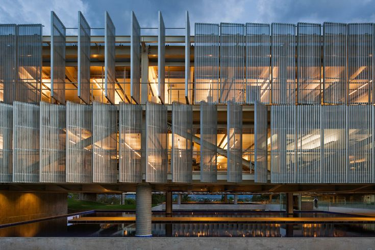 Sebrae Headquarters / Gruposp Office Buildings by Alvaro Puntoni, Brasilia, Brazil Glass Grupos