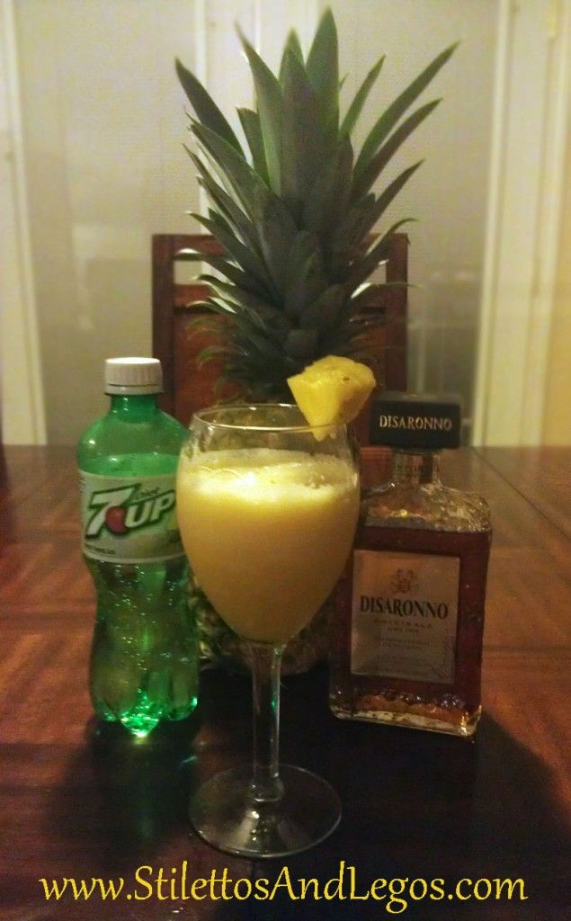 Pineapple Amaretto Smoothie – 84 calories of heaven I bet!