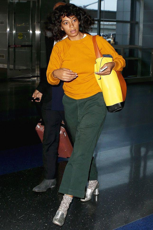 Соланж Ноулз в аэропорту Нью-Йорка