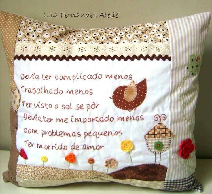 Almofada Bordada