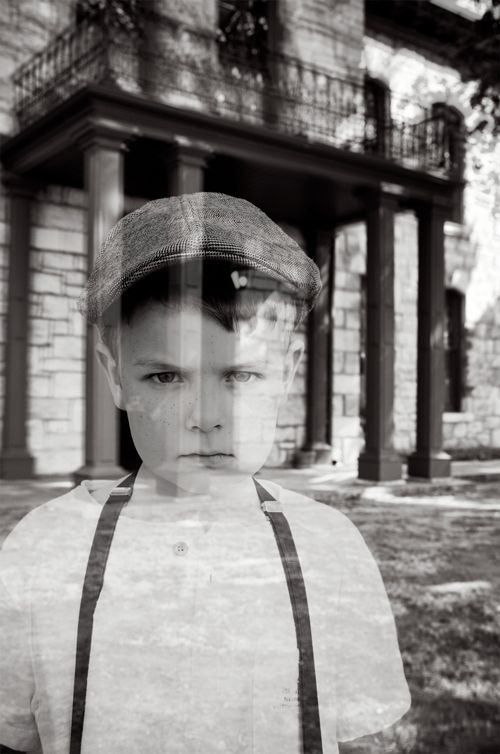 How to make ghost photos - a tutorial from the talented team at @handmademood