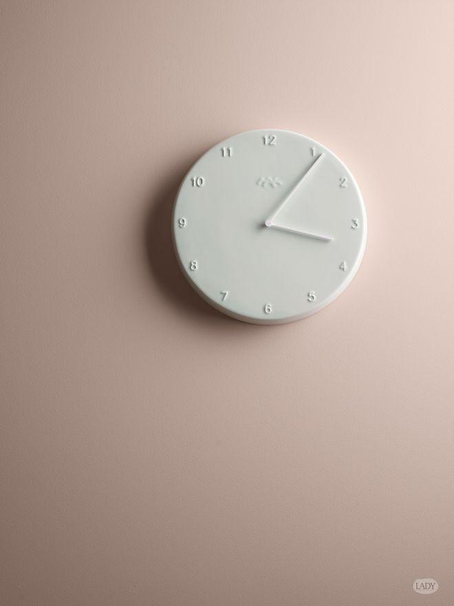 Om bara tiden kunde stå still en stund så vi kunde njuta av lite rosa energi… LADY Pure Color i kulören 2845 Rörelse.