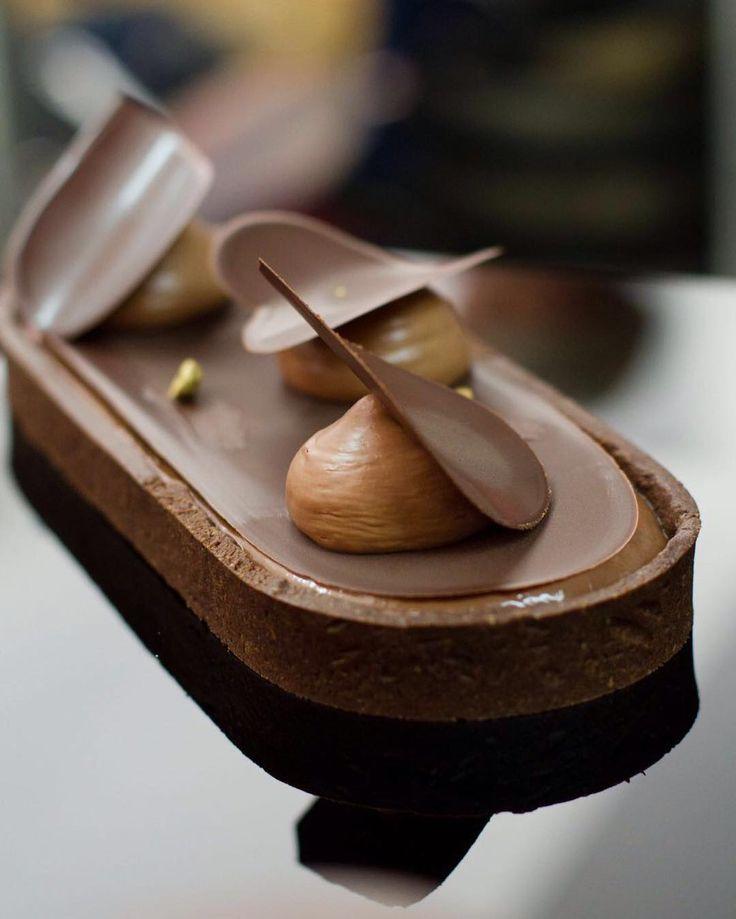 Curso JG in Rep. Dominicana @riskec @republicadelcacao #javierguillen #chocolate #chocolover #food #igers #pastry #sweet #cursosjg #jginsantodomingo #dessert #coucou by chefjavierguillen