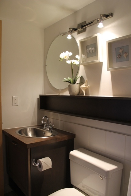 17 best images about staging a home to sell on pinterest for Condo bathroom designs