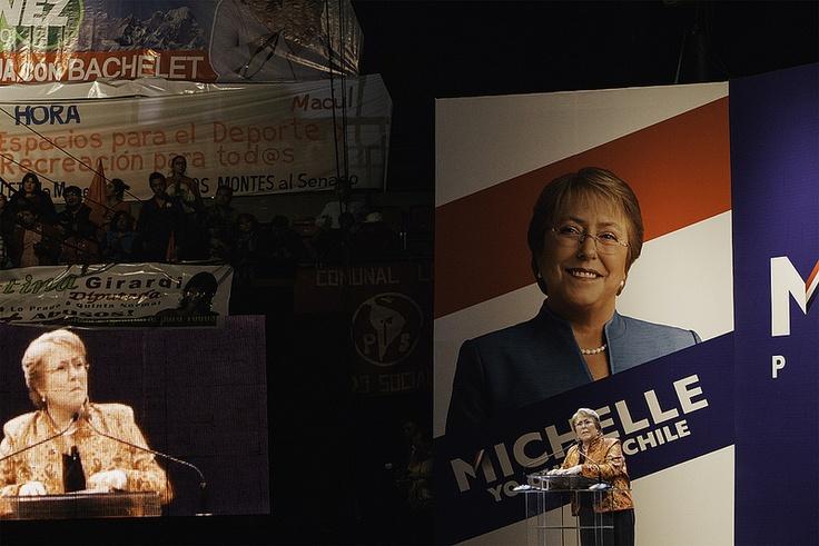 Proclamación de Michelle Bachelet en el Teatro Caupolicán  Un Teatro Caupolican lleno esperó a Michelle Bachelet para la proclamación del Partido Socialista y Partido por la Democracia, como su pre candidata presidencial.