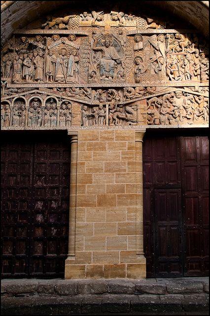 Tympan de l'abbatiale Sainte Foy de Conques. Aveyron